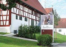 Krippenmuseum in der ehem. Pfarrscheuer