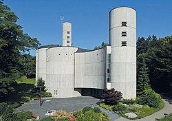 Moderne Rundbaukirche St Vinzenz